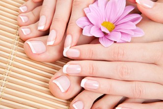 [Unwind Yourself @ 65% Savings!] B$15 instead of B$35 for a session of  Foot Spa + Manicure + Pedicure + Colour at Diana Hairdressing & Beauty Salon, Menglait.