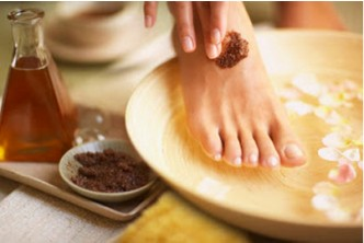 [1.5hrs Foot Care Package  @ 64% Savings!] B$18 instead of B$50 for a session of 1.5hrs manicure + pedicure + nail colouring + foot spa (includes Foot Scrub, Foot Mask and Foot Massage). Redemption at Passion Image Spa, Kiulap.