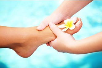 [June-July 2016 5IN1 Pamper session @ 54% Savings!] B$22 instead of B$48 for 30mins Foot Reflexology + Mani-Pedi + Color + Foot Spa at Oxygen Salon, Delima Square