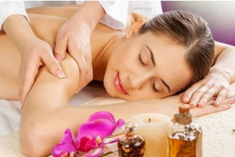 [1.5 hrs of Herbal Essential Oil Full Body Recovery Massage @ 57% Savings!] B$38 instead of B$88 for a session of 1 1/2 hours of Full Body Massage With Plant Essentials Oil at Oxygen Salon, Delima Square.