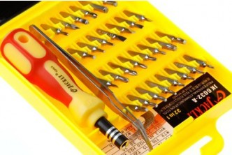 [Screwdriver Set for Electronic Devices @ 72% Savings!] B$11 instead of B$39 for a set of 32-in-1 Screwdriver Set for Electronic Devices. Redemption at SD HQ, Gadong