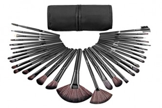 U.S. Deal [32pcs Make Up Brushes @ 57% Savings!] B$25 instead of B$58 for a set of 32pcs Cruelty-Free Synthetic Fiber Bristles Make Up Brushes. Redemption at SD HQ, Gadong.