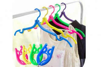 [10PCS Foldable Travel Hangers @ 62% Savings!] B$9.9 instead of B$26 for a set of 10pcs of Foldable Travel Clothes Hangers Coat Hanger with Anti-slip Grooves. Redemption at SD HQ, Gadong.