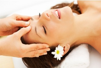 [Relaxing Face and Ear Detox @ 52% Saving!] B$12 instead of B$25 for Ear Candling + Lymphatic Face Massage + Head Massage at Pini Hair & Beauty House, Menglait.